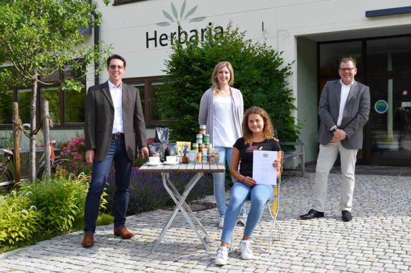Ausgezeichnete Ausbildung: Bayerischer Staatspreis für Herbaria- Absolventin